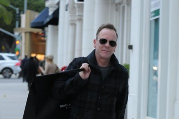 Kiefer Sutherland Kiefer Sutherland Does Some Last Minute Holiday Shopping In Bevely Hills