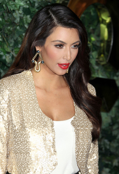 kim kardashian hair color 2011. 2010 Ellen Pompeo hair color (2) what color is kim kardashian hair 2011. kim