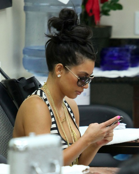 Kim Kardashian At A Nail Salon In Beverly Hills