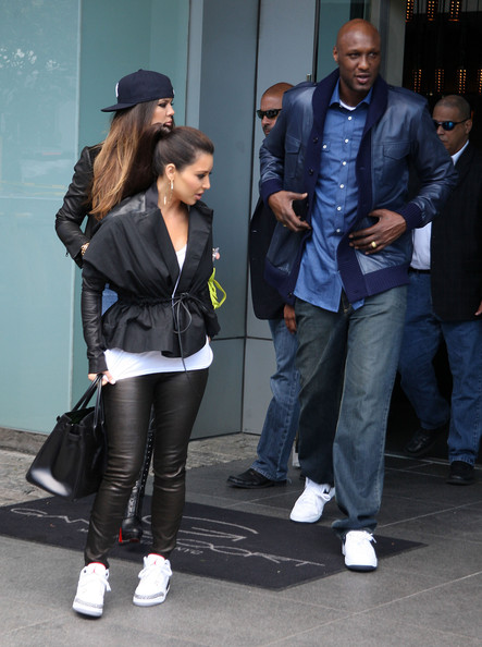 Kim Kardashian - Kim, Khloe And Lamar Leaving Their Hotel In New York
