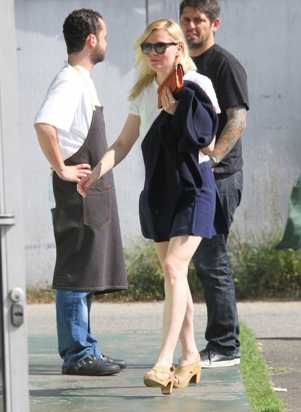Kirsten Dunst Out For Lunch In West Hollywood