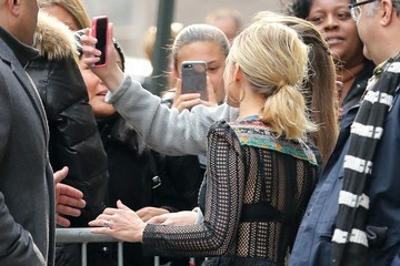 Kristen Bell Celebrites Appear on 'Good Morning America' in NYC