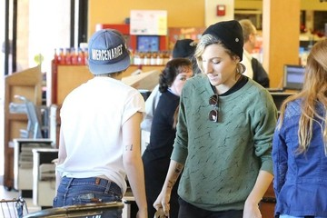 Kristen Stewart Kristen Stewart Out And About In Los Feliz With Alicia Cargile