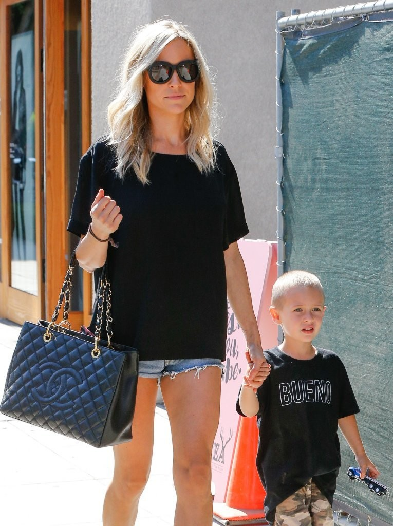 Kristin Cavallari Seen Out with her son in West Hollywood 7/27/2016