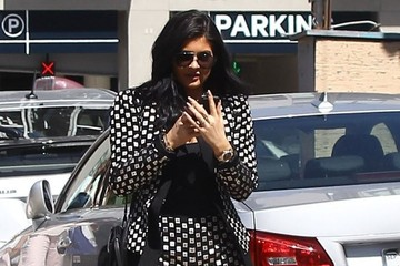 Kylie Jenner The Kardashian Clan Heads Out for Lunch at The Ivy