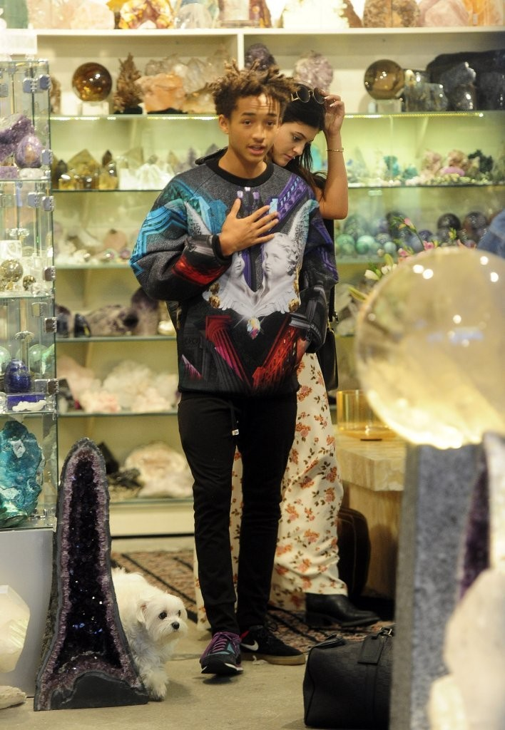 Kylie Jenner And Jaden Smith Shop For Crystals Zimbio