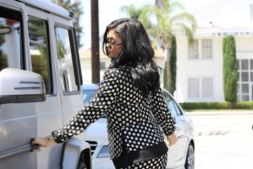 Kylie Jenner Kylie Jenner Stops to Refuel in Studio City