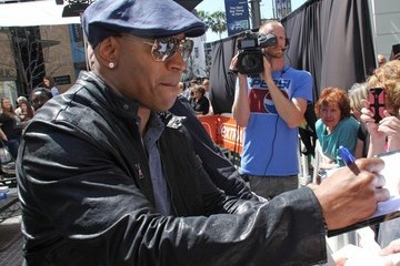 LL Cool J Celebs Stop by 'Extra!'