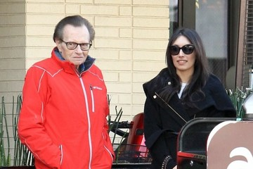Larry King Larry King Grabs Lunch With A Mystery Woman At The Palm