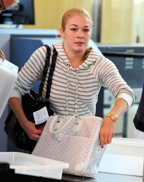 Celebs Going Through Airport Security