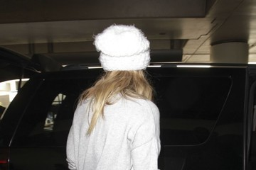 LeAnn Rimes LeAnn Rimes Is Spotted Arriving at LAX