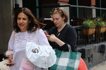 Lena Dunham Lena Dunham Braves The NYC Wind
