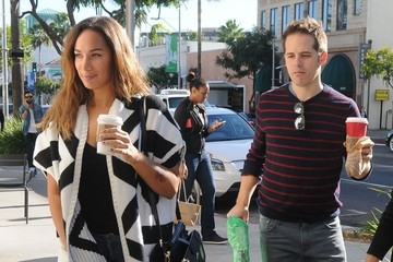 Leona Lewis Leona Lewis Stops By Starbucks In Beverly Hills