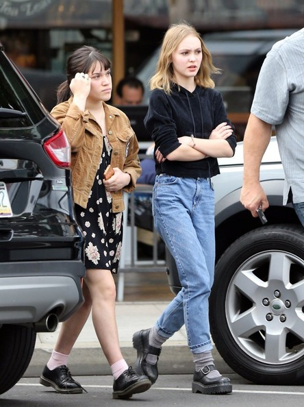 Lily-Rose Depp Photos - Lily-Rose Depp Spends The Day In