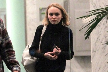 Lily-Rose Depp Lily-Rose Depp Stops by a Real Estate Office