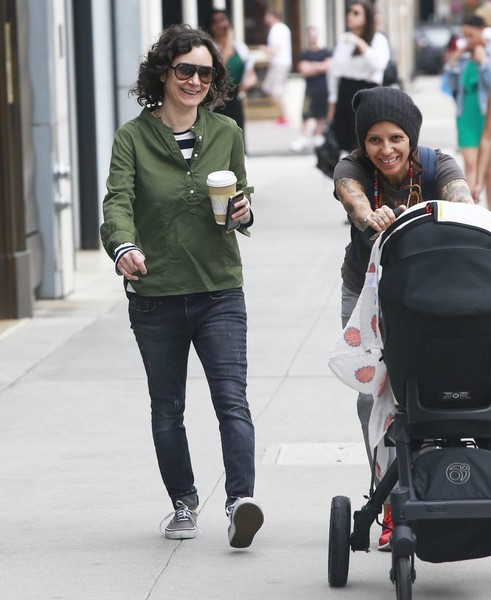 Sara Gilbert and linda perry baby
