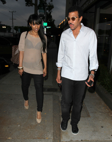 lionel richie takes his date to craig s in this photo lionel richie    Lionel Richie Girlfriend 2013