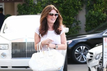 Lisa Vanderpump Lisa Vanderpump Stops by Epione Cosmetic Dermatology