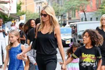 Lou Samuel Heidi Klum Walking Thorugh SoHo With Her Kids
