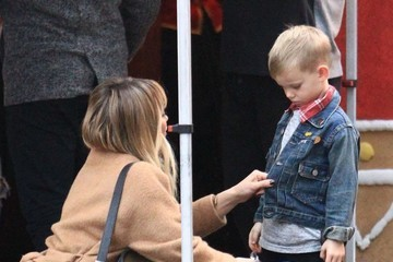 Luca Comrie Hilary Duff and Mike Comrie Take Their Son to the Santa House