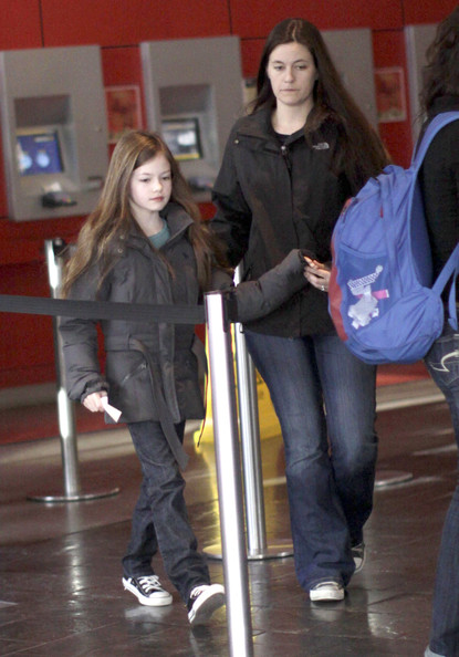 Mackenzie Foy And Her Mom At The Movies In Vancouver