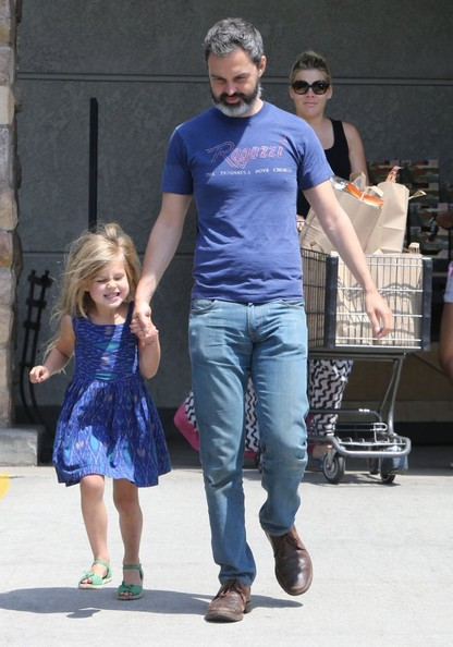 marc silverstein photos photos pregnant busy philipps family grocery shopping at gelson 39 s. Black Bedroom Furniture Sets. Home Design Ideas