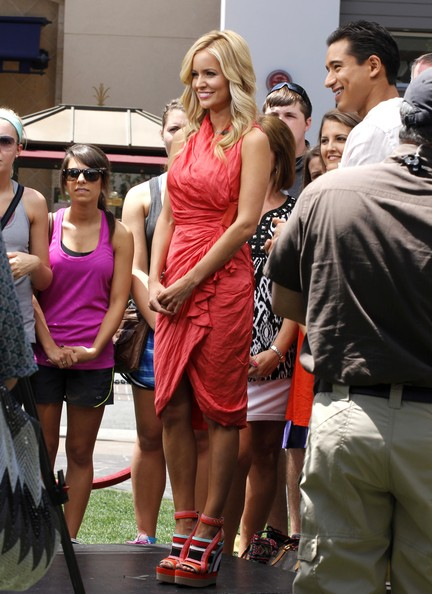 """Emily Maynard Is Interviewed For """"Extra!"""""""