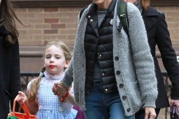 Marion Broderick Sarah Jessica Parker Takes Her Twins Trick-or-Treating