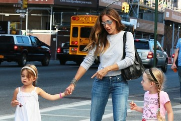 Marion Broderick Sarah Jessica Parker Out For A Stroll With Her Daughters