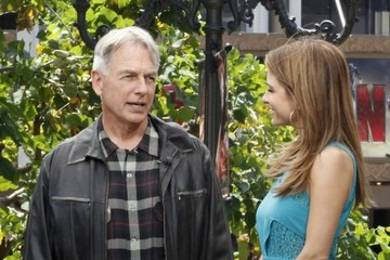 Mark Harmon Celebs Drop by 'Extra!'