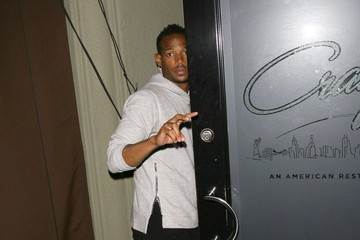 Marlon Wayans Celebrities Dine Oiut At Craig's Restaurant