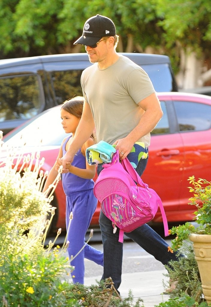 Matt Damon Daughters Matt Damon Takes Daughter