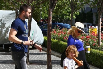 Matthew Rutler Christina Aguilera Celebrates Mother's Day — Part 2