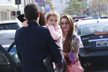 Mauricio Umansky Kyle Richards And Family Out For Lunch In Beverly Hills