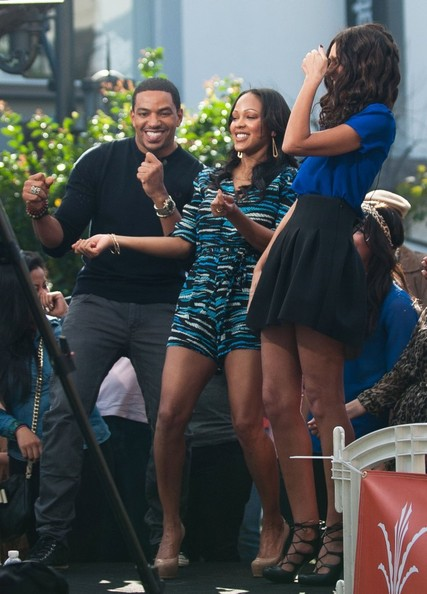 """Meagan Good and Laz Alonso Are Interviewed on """"Extra"""""""