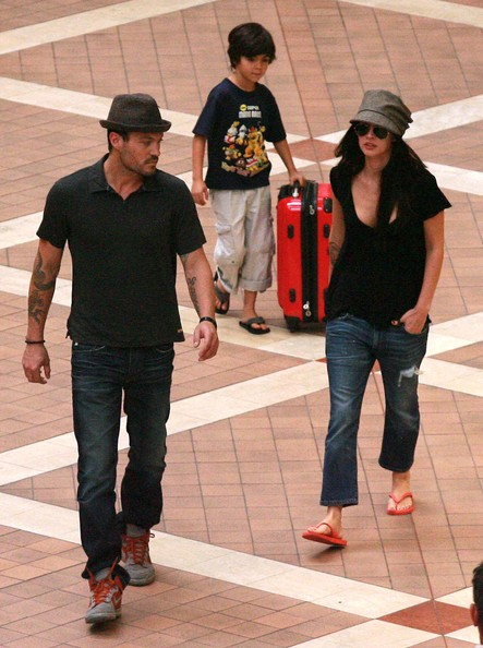 Megan Fox and Kassius Green - Megan Fox And Brian Austin Green Take His Son Shopping