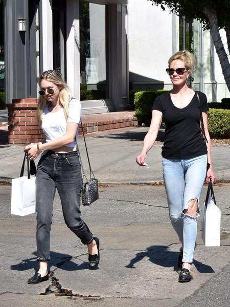 Melanie Griffith Grabs Coffee With Her Daughter Stella Banderas