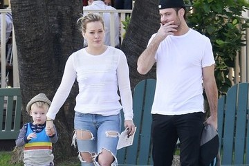 Mike Comrie Hilary Duff & Mike Comrie Take Luca To Breakfast