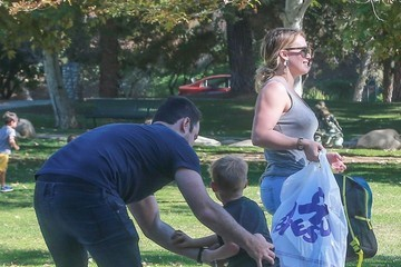 Mike Comrie Hilary Duff Meets Mike Comrie at the Park to Pick Up Her Son