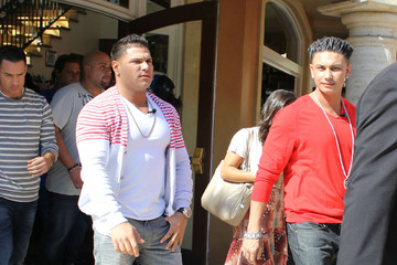Mike Sorrentino Paul DelVecchio 'Jersey Shore' Boys Doing An Interview For EXTRA