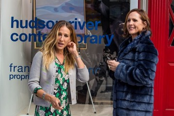 Molly Shannon Stars Perform on the Set of 'Divorce'