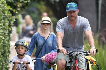 Naomi Watts Alexander Schreiber Naomi Watts Spends Her Day with Family