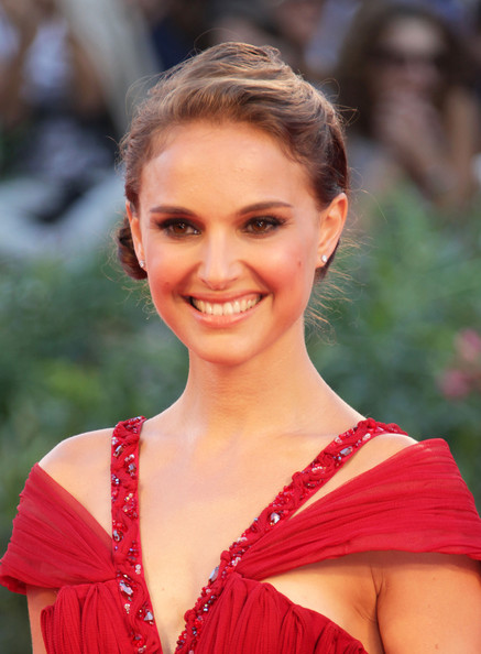 "Natalie Portman Celebrities walk the red carpet at the ""Black Swan"" premiere"