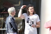 Nick Simmons Goes Shopping With His Girlfriend At The Grove