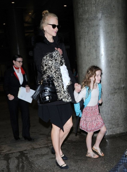 Nicole Kidman & Keith Urban Touch Down At LAX