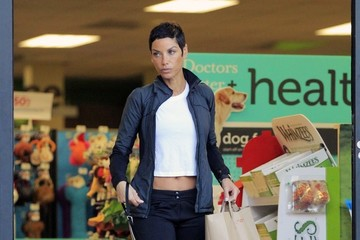 Nicole Murphy Nicole Murphy Buying Pet Supplies
