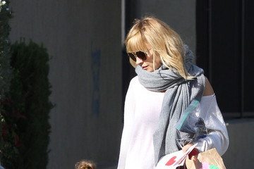 Nicole Richie Sparrow Madden Nicole Richie And Joel Pick Up The Kids