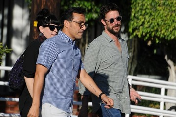 Noah Wyle Noah Wyle & A Friend Out And About In Beverly Hills