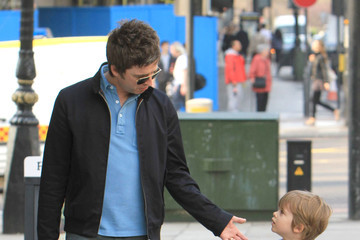 Donovan Gallagher Noel Gallagher Shopping With His Son