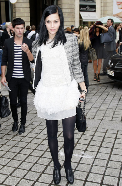 Celebrities arrive at the Giambattista Valli fashion show during Paris Fashion Week Spring/Summer 2011.